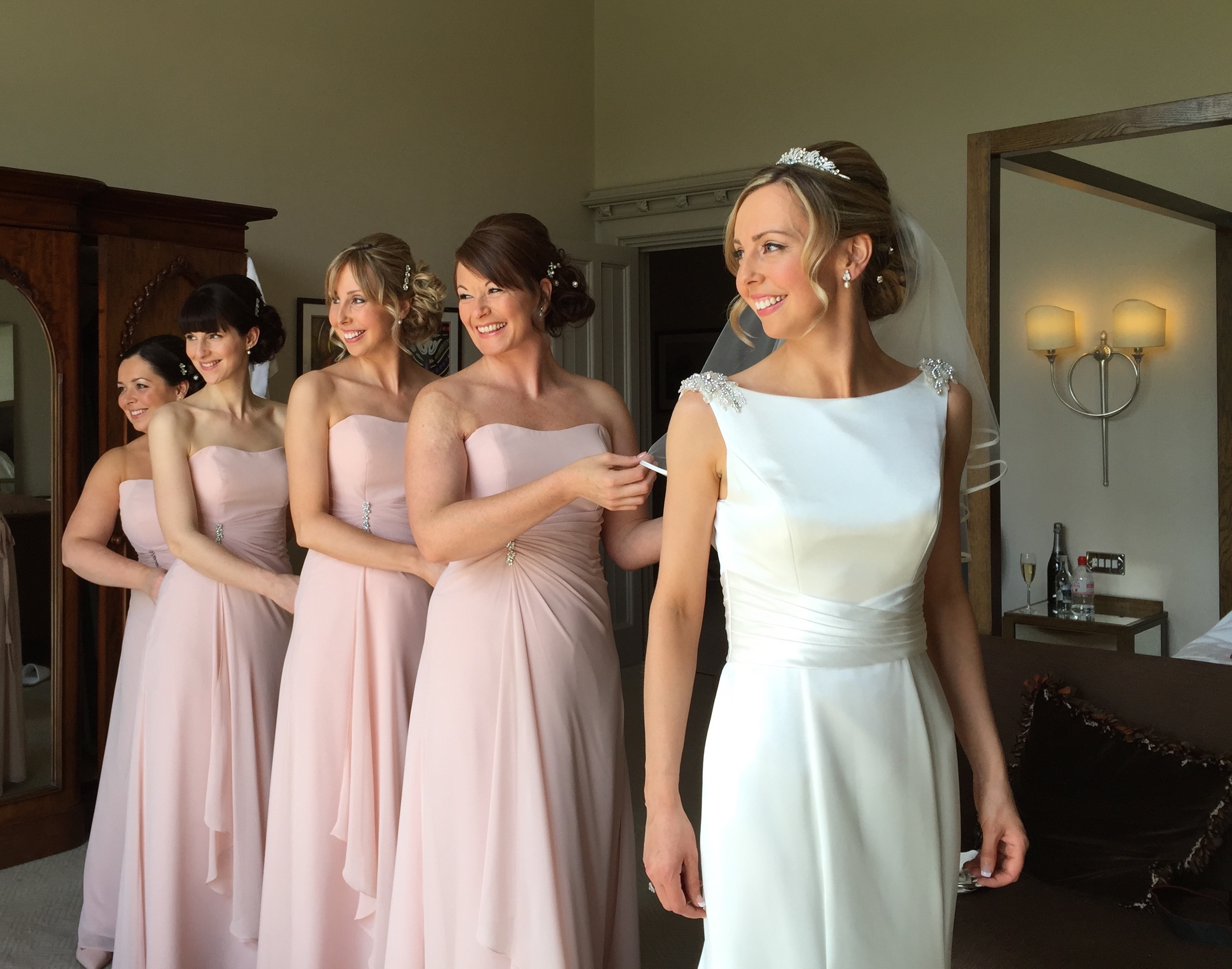 Airbrush makeup for bridesmaids in playa del carmen